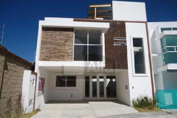 Foto principal de casa en condominio en venta en lomas de angelópolis ii 2815494.
