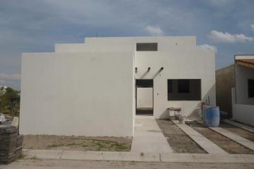 Foto de casa en venta en lorenzo angeles 94, la antigua, corregidora, querétaro, 2885680 No. 01