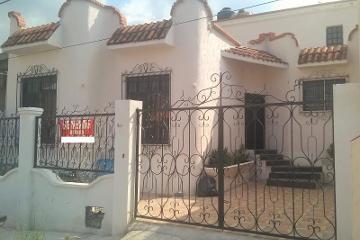 Foto de casa en venta en  , magisterio, saltillo, coahuila de zaragoza, 2554970 No. 01