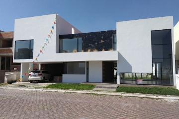 Foto de casa en venta en  , metepec centro, metepec, méxico, 2761646 No. 01