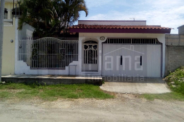 Foto de casa en venta en  , ojo de agua, tepic, nayarit, 2251628 No. 01