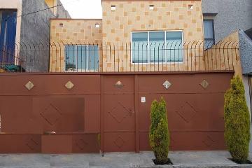 Foto de casa en venta en  , paseos de churubusco fovissste, iztapalapa, distrito federal, 2979833 No. 01
