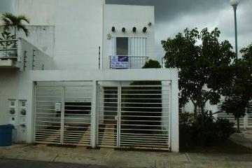Foto de casa en renta en porto novo , supermanzana 317, benito juárez, quintana roo, 0 No. 01