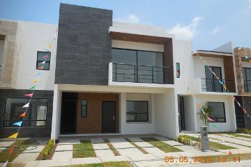 Foto de casa en venta en principal , zona cementos atoyac, puebla, puebla, 2748786 No. 01