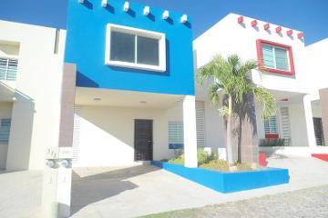 Foto de casa en venta en  376, colinas del rey, villa de álvarez, colima, 2907065 No. 01