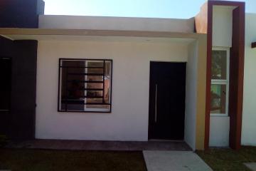 Foto de casa en venta en prolongacion colon 355, burócratas municipales, colima, colima, 4661210 No. 01