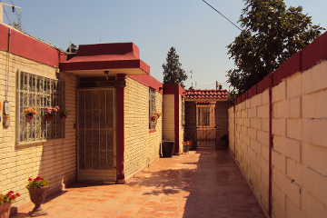 Foto de casa en venta en  , saltillo zona centro, saltillo, coahuila de zaragoza, 2316089 No. 01
