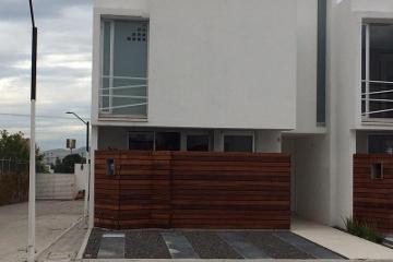 Foto de casa en venta en  , san bernardino tlaxcalancingo, san andrés cholula, puebla, 1733488 No. 01