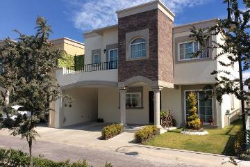 Foto de casa en venta en  , san carlos, metepec, méxico, 2498704 No. 01