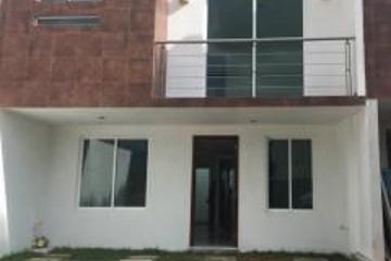 Foto de casa en venta en  , san juan cuautlancingo centro, cuautlancingo, puebla, 2123098 No. 01