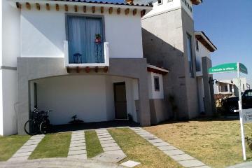 Foto de casa en venta en  , san miguel totocuitlapilco, metepec, méxico, 2837445 No. 01
