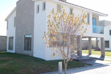 Foto de casa en venta en  , san miguel totocuitlapilco, metepec, méxico, 2960367 No. 01
