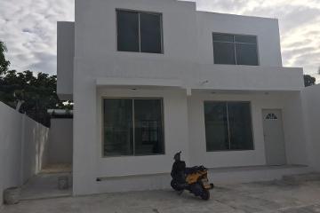 Foto de casa en venta en  , santa ana, campeche, campeche, 2762762 No. 01