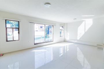 Foto de casa en venta en sierra madre 1268, don vasco, uruapan, michoacán de ocampo, 0 No. 01