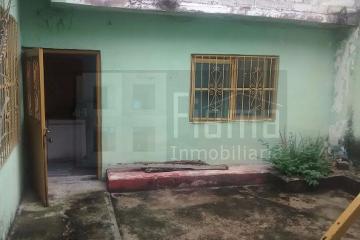 Foto de casa en venta en  , tepic centro, tepic, nayarit, 2612525 No. 01