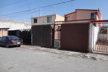 Foto de casa en venta en  , valle de las flores infonavit, saltillo, coahuila de zaragoza, 674421 No. 01