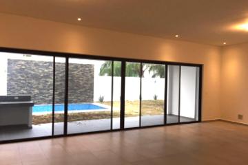 Foto de casa en venta en  , villas de canterias, monterrey, nuevo león, 0 No. 01