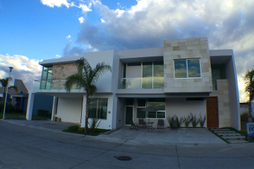 Foto de casa en venta en  , virreyes residencial, zapopan, jalisco, 464427 No. 01
