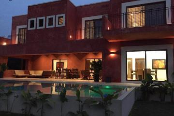 Foto de casa en venta en  , yucatan, mérida, yucatán, 0 No. 01