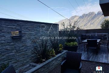 Foto de casa en venta en  , zona del valle, san pedro garza garcía, nuevo león, 2800093 No. 01