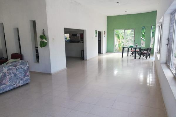 Foto de casa en venta en 53 99, chichi suárez, mérida, yucatán, 7481494 No. 02