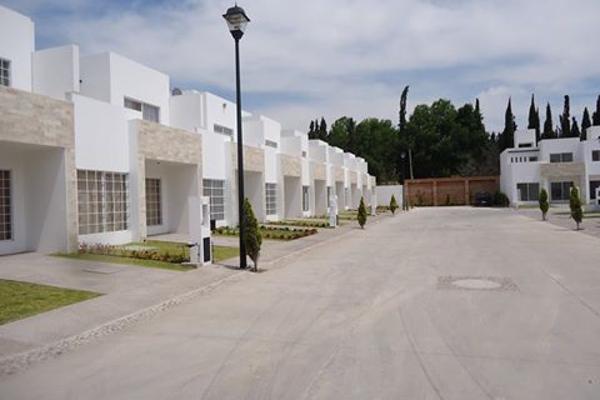 Casa en paseo viveros los nogales en venta id 2408965 for Viveros en queretaro