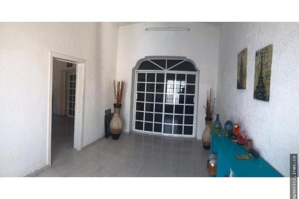 Foto de casa en venta en 60 , merida centro, mérida, yucatán, 14028681 No. 02
