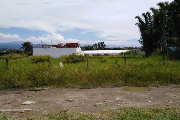 Foto de terreno habitacional en venta en  , poblado acapatzingo, cuernavaca, morelos, 7898382 No. 04