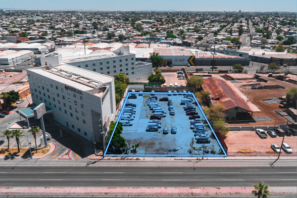 Foto de terreno habitacional en venta en adolfo lópez mateos sn , centro cívico, mexicali, baja california, 14829911 No. 02