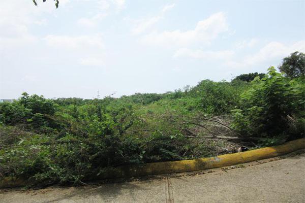 Foto de terreno habitacional en venta en  , ahuatlán tzompantle, cuernavaca, morelos, 21001859 No. 02