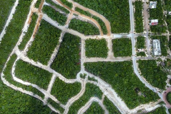 Foto de terreno habitacional en venta en aldea premium zama , tulum centro, tulum, quintana roo, 3735614 No. 02