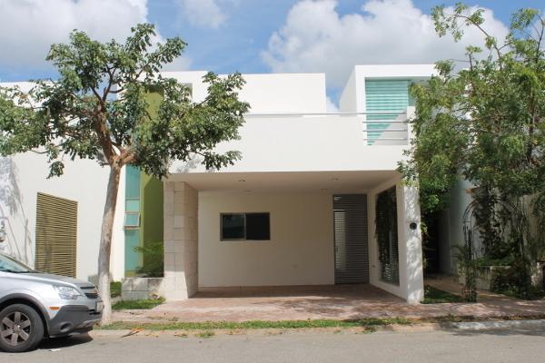 Foto de casa en venta en  , altabrisa, mérida, yucatán, 3085300 No. 01