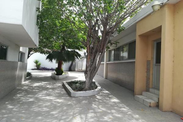 Foto de edificio en renta en  , altavista, monterrey, nuevo león, 7955575 No. 02