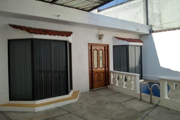 Foto de casa en venta en  , ampliación santa martha, cuernavaca, morelos, 6148454 No. 02