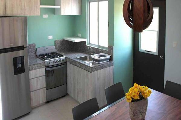Foto de casa en venta en  , ampliación tixcacal opichen, mérida, yucatán, 8100340 No. 04
