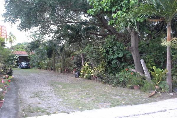 Foto de terreno habitacional en venta en aquiles serdán , colima centro, colima, colima, 7515734 No. 01
