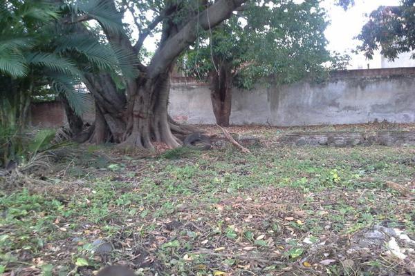 Foto de terreno habitacional en venta en aquiles serdán , colima centro, colima, colima, 7515734 No. 02