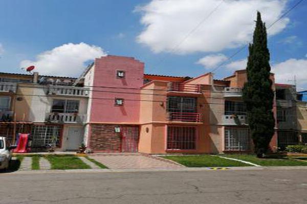 Foto de casa en venta en  , infonavit c.t.m. san pablo tultepec, tultepec, méxico, 8317506 No. 01