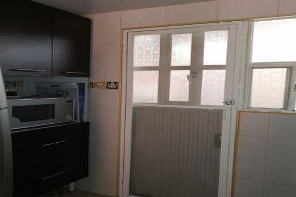 Foto de casa en venta en  , infonavit c.t.m. san pablo tultepec, tultepec, méxico, 8317506 No. 02