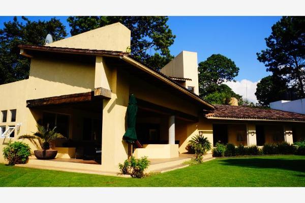 Foto de casa en venta en  , avándaro, valle de bravo, méxico, 6184652 No. 01