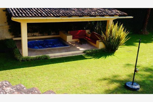 Foto de casa en venta en  , avándaro, valle de bravo, méxico, 6184652 No. 03