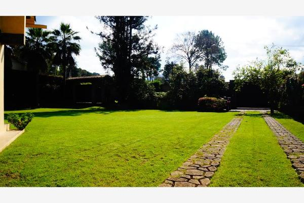 Foto de casa en venta en  , avándaro, valle de bravo, méxico, 6184652 No. 04