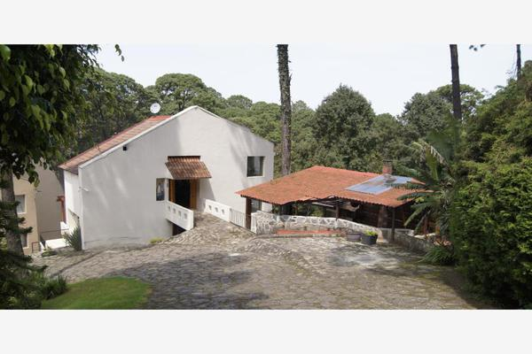 Foto de casa en venta en  , avándaro, valle de bravo, méxico, 9121681 No. 01