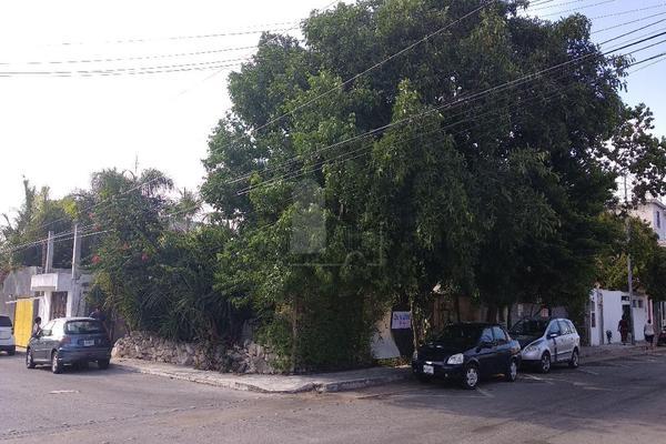 Foto de terreno habitacional en venta en avenida 15 esquina 96 , luis donaldo colosio, solidaridad, quintana roo, 7506246 No. 01