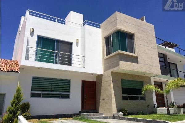 Foto de casa en venta en avenida camino a los olvera , los olvera, corregidora, querétaro, 0 No. 01