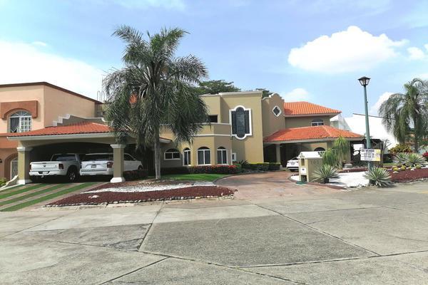 Foto de casa en venta en avenida constitución 0, parque royal, colima, colima, 10203050 No. 01