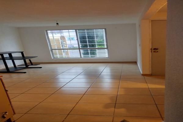 Foto de casa en venta en avenida de los jadines , hacienda del jardín ii, tultepec, méxico, 8661018 No. 02