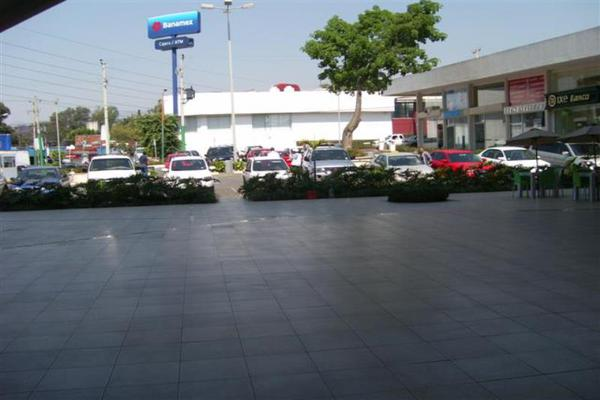 Foto de local en venta en avenida diaz ordaz esquina teopanzolco 14, cantarranas, cuernavaca, morelos, 18234053 No. 02