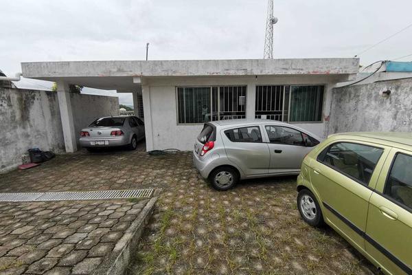 Foto de casa en venta en avenida emiliano zapata 621 , benito juárez sur, coatzacoalcos, veracruz de ignacio de la llave, 16868989 No. 02