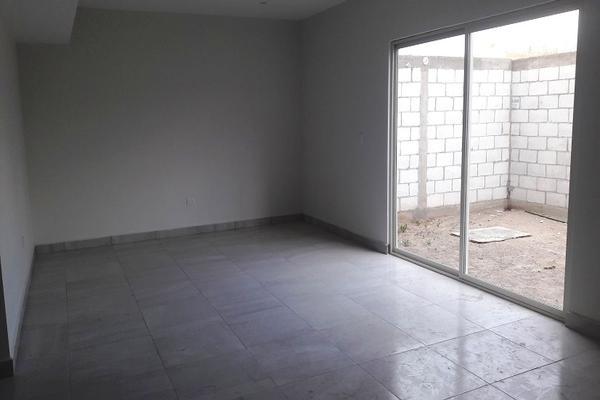 Foto de casa en venta en avenida fondo de la vivienda , magisterio iberoamericana, torreón, coahuila de zaragoza, 17307002 No. 02